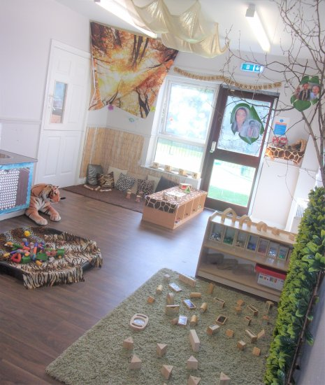 Busy Bees at Bridgend  gallery photo 3