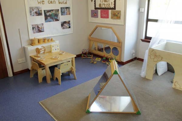 Busy Bees at East Kilbride gallery photo 6