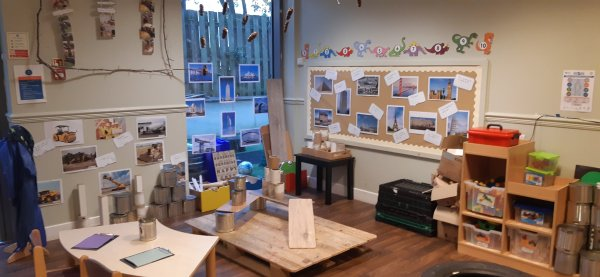 Busy Bees at Glasgow, Kelvin gallery photo 1