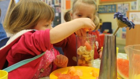 The pre school children in seahorses created their own smoothies