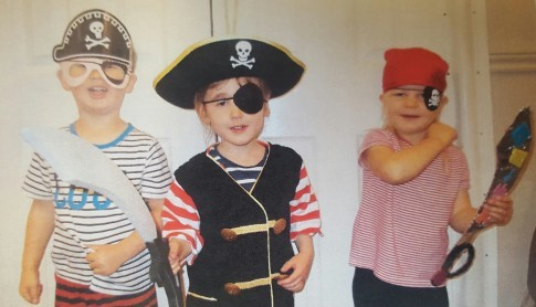 We had lots of fun dressing up as pirates, creating treasure maps, compasses and telescopes and trying to talk like a Pirate!!