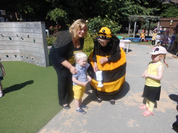 Busy Bees Day Photo-2