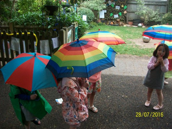 Singing in the rain!! Photo-1