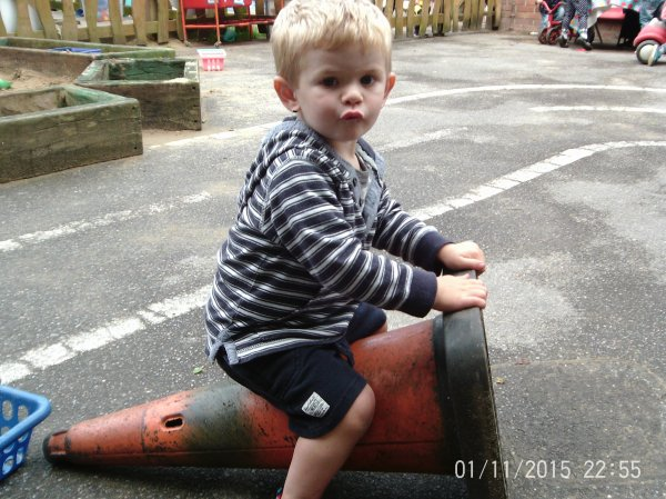 Toddlers Garden Fun  Photo-1