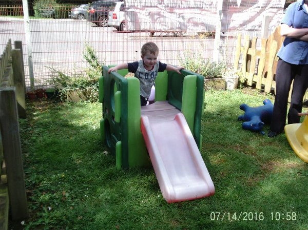 Toddlers Garden Fun  Photo-4