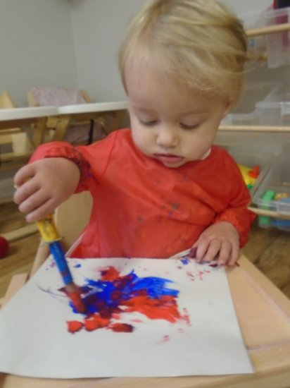 Painting fun in baby room Photo-1