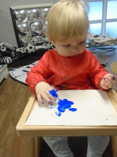 Painting fun in baby room Photo-2