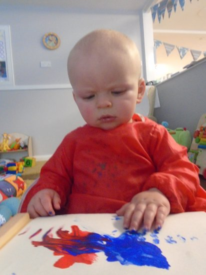 Painting fun in baby room Photo-4