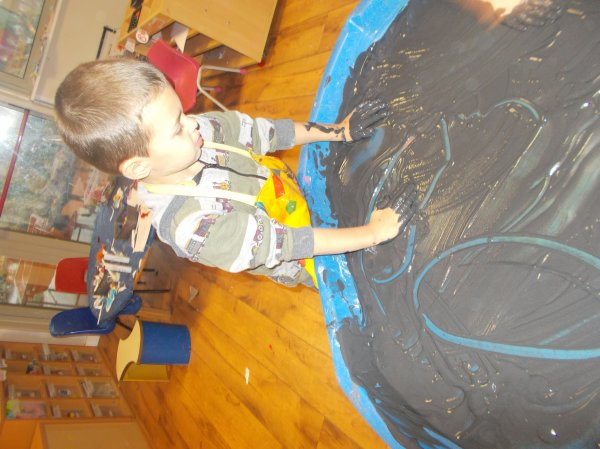 Exploring Paint in the Penguins Photo-2