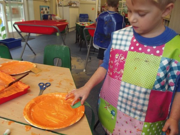 Pre- School Autumn and Sorting Activities Photo-3