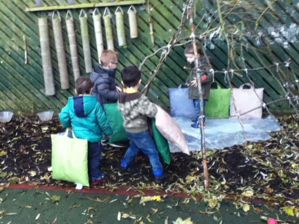 Den Making in Pre-school Photo-4