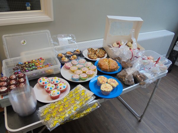 Children in Need Cake sale Photo-1