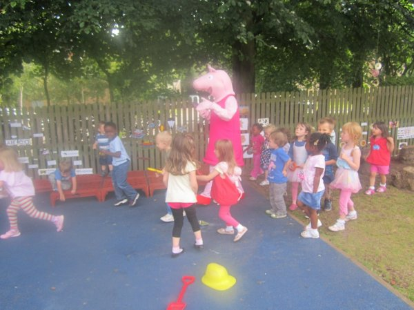 Peppa Pig Bing Bong Dance Photo-5