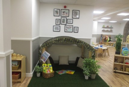 New Little Acorns Room Photo-3