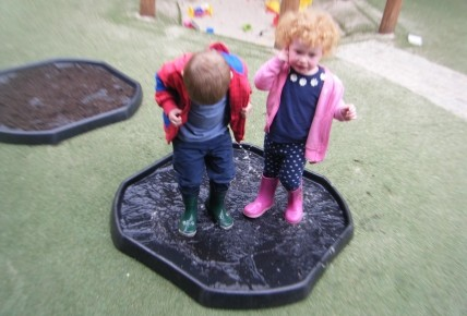 Peppa Pig's Muddy Puddle Walk Photo-4
