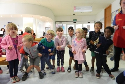 Preschool Singing at Maidstone Hospital Photo-2