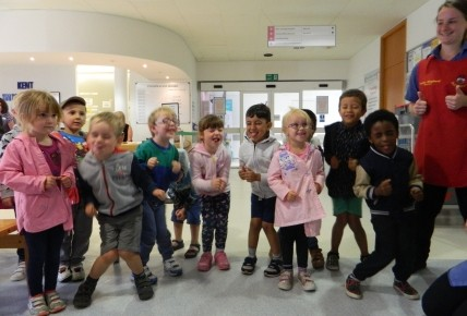 Preschool Singing at Maidstone Hospital Photo-3