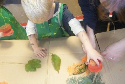 Pre School Leaf Printing Photo-5