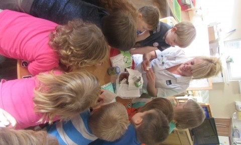 Glenrothes Preschool visited by Nurse Elaine Photo-3