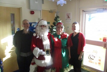 Santa at Busy Bees Nottingham Uni Photo-1