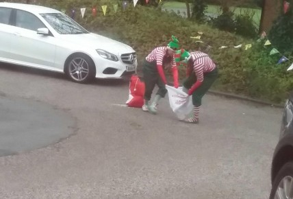 The cheeky elves come to play! Photo-6