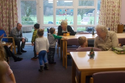 Pre School Visit to the Old People's Home.