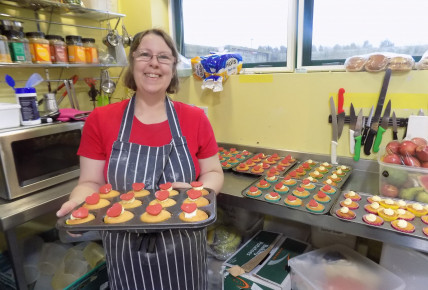 Our fantastic Ellen making cup cakes for Valentine's.
