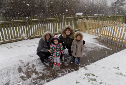 Snow fun at Busy Bees Leicester Meridian Photo-2