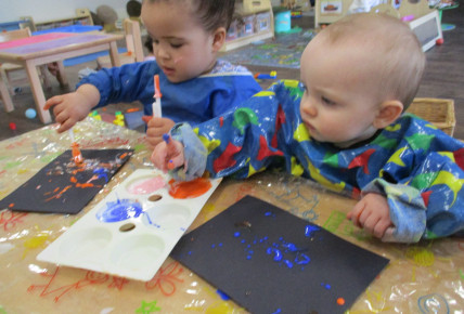 Messy play with babies! Photo-1