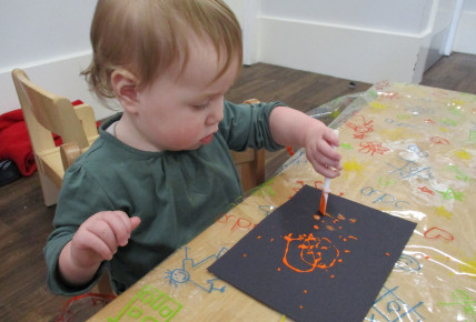 Messy play with babies! Photo-2