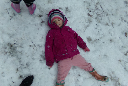 Snow play Photo-4