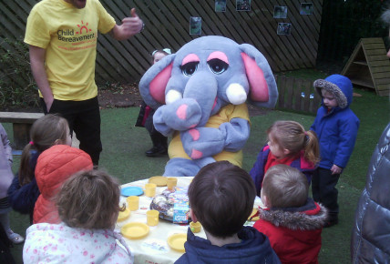 UK Child Bereavement Charity  ! Visit from Hettie! Photo-2