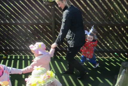 Easter Bonnet parade Photo-4