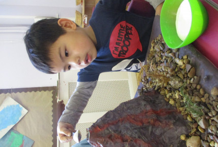 Pre-Schoolers make own volcanoes to set off Photo-1