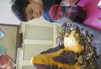 Pre-Schoolers make own volcanoes to set off Photo-4