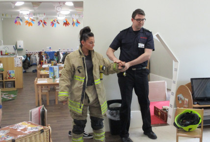 The Oxford Fire Brigade visits the nursery Photo-1