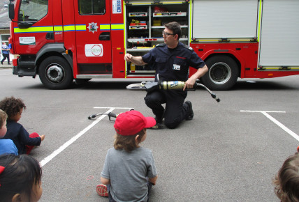 The Oxford Fire Brigade visits the nursery Photo-2