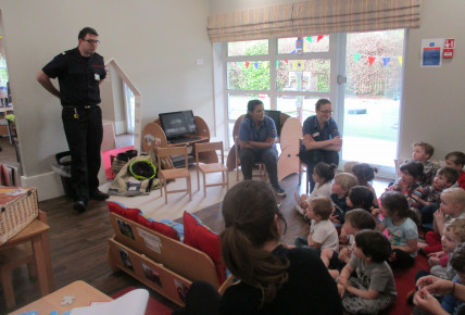 The Oxford Fire Brigade visits the nursery Photo-3