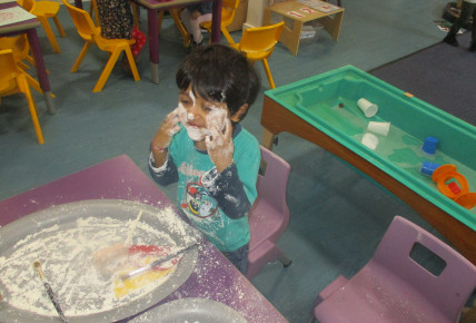 fun with flour Photo-1
