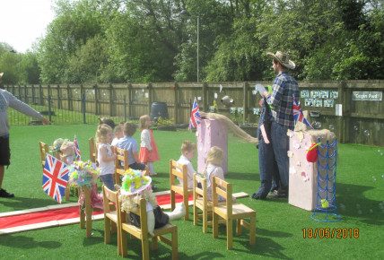 The Royal Scarecrow Wedding! Photo-5