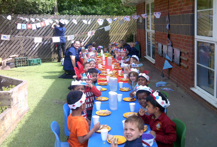 Busy Bees Royal Wedding Street Party Photo-2