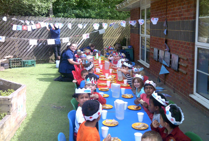 Busy Bees Royal Wedding Street Party Photo-4