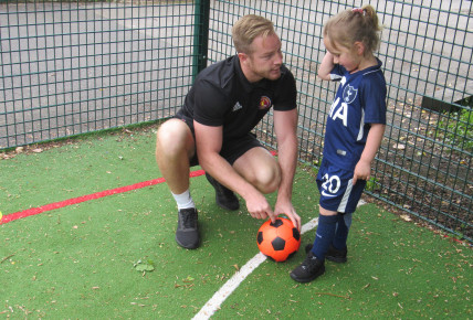 Meredale Day Nursery & Little Ballers UK Photo-4