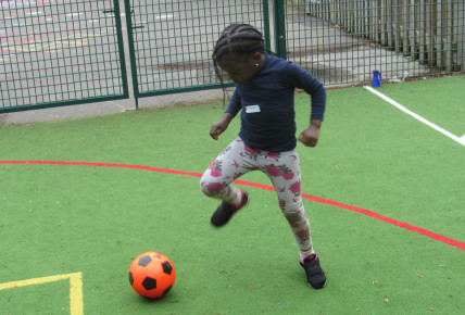 Meredale Day Nursery & Little Ballers UK Photo-5