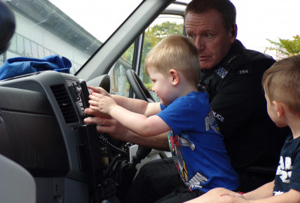 Meeting the Police for Child Safety Week! Photo-2