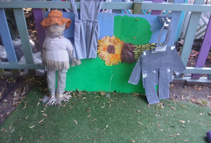 Build a Scarecrow Day Photo-2