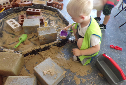 Busy Builders Photo-1