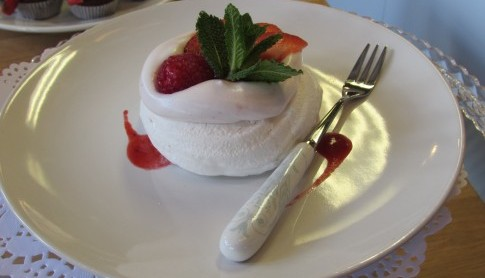Eggless Meringue with Strawberry Mousse and Fresh Berries